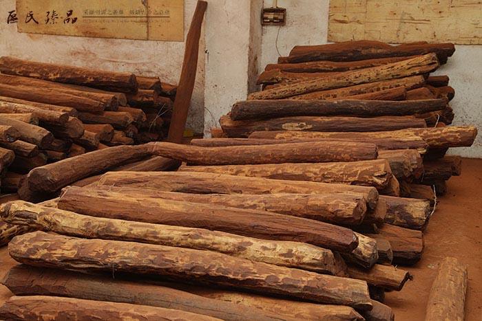 木材的稳定性,红木家具材料在加工前要进行干燥处理